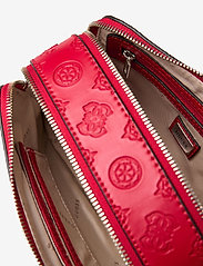 GUESS - NOELLE CROSSBODY CAMERA - crossbody bags - red - 4