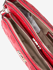 GUESS - DAYANE DOUBLE POUCH CROSSBODY - axelremsväskor - red - 4