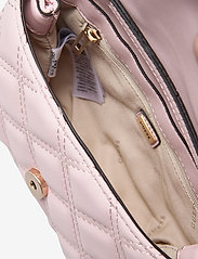 GUESS - KAMINA CNVRTBL XBODY BELT BAG - crossbody bags - blush - 4