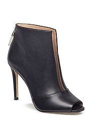 UNTIME2/SHOOTIE  (ANKLE BOOT) - BLACK