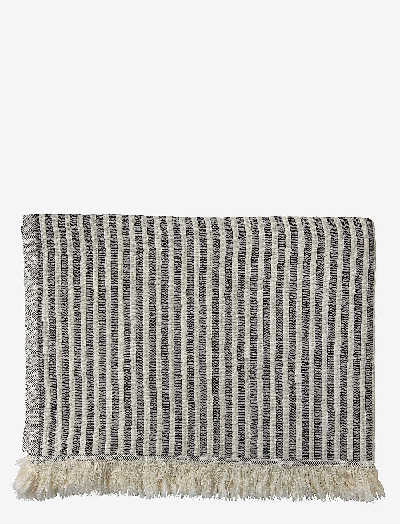 H. Skjalm P. - Indy Towel - hand towels & bath towels - navy/beige - 0