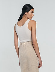 hálo - TUNDRA rib top - t-shirt & tops - sand - 3