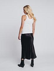 hálo - TUNDRA rib top - t-shirt & tops - white - 3