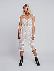 hálo - NEVA lace dress - sommerkjoler - white - 0
