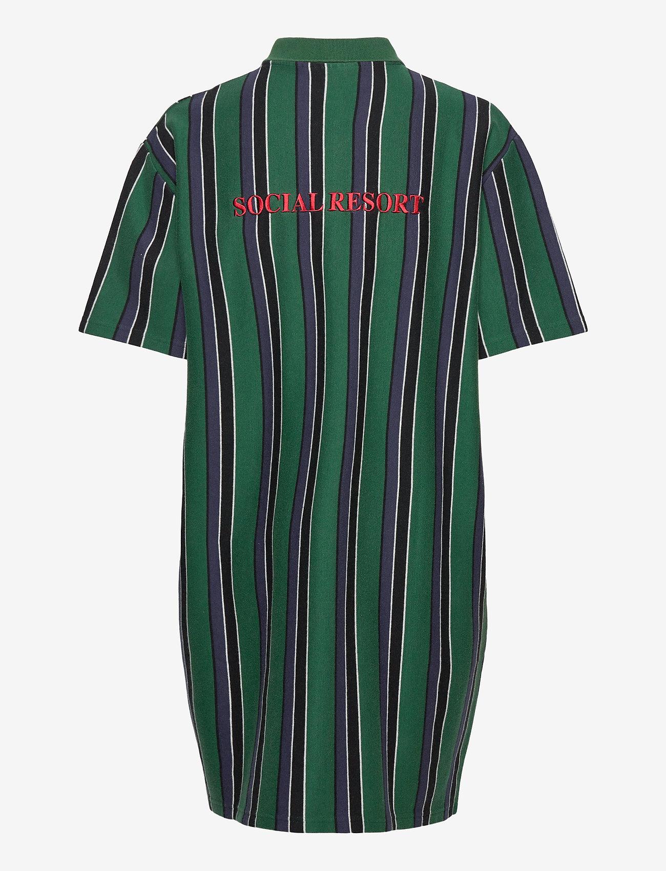 HAN Kjøbenhavn - Polo Dress - tshirt jurken - faded green - 1