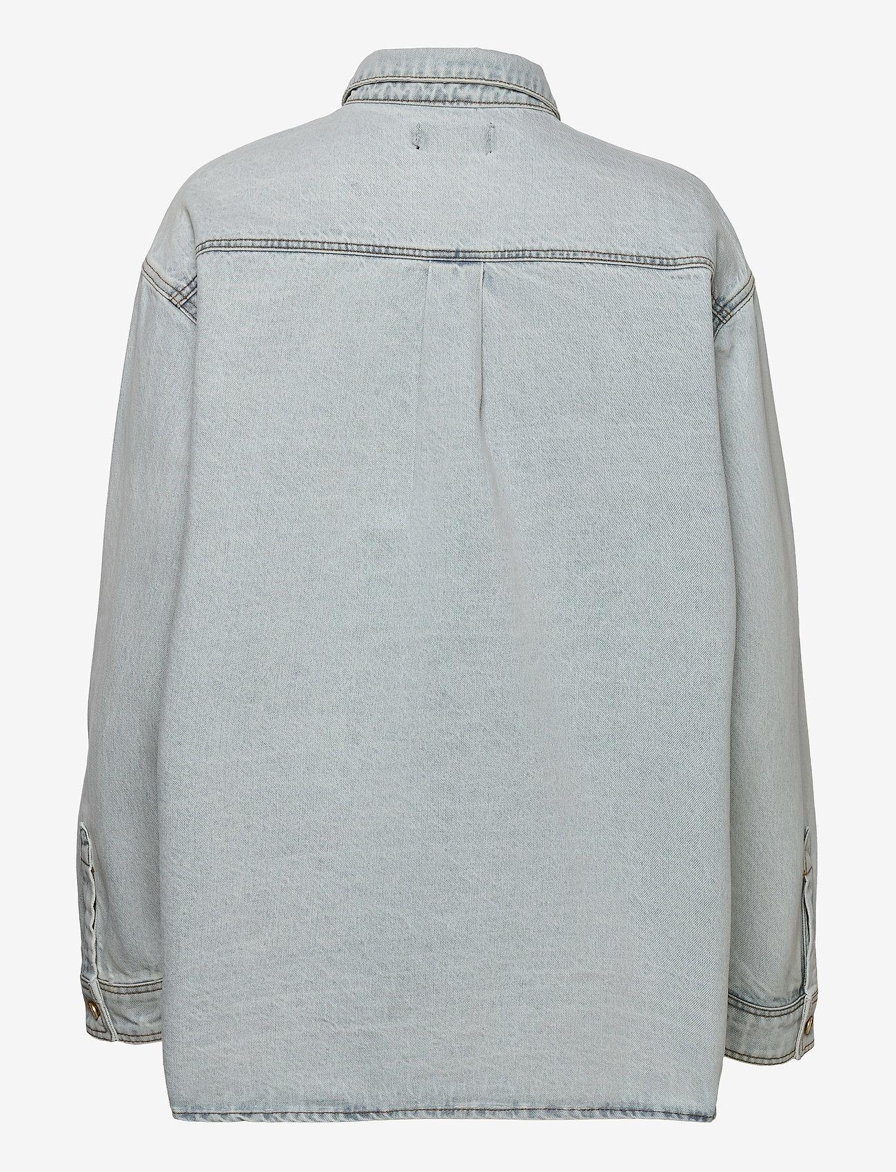 HAN Kjøbenhavn - Boyfriend Shirt - overshirts - light stone wash - 1