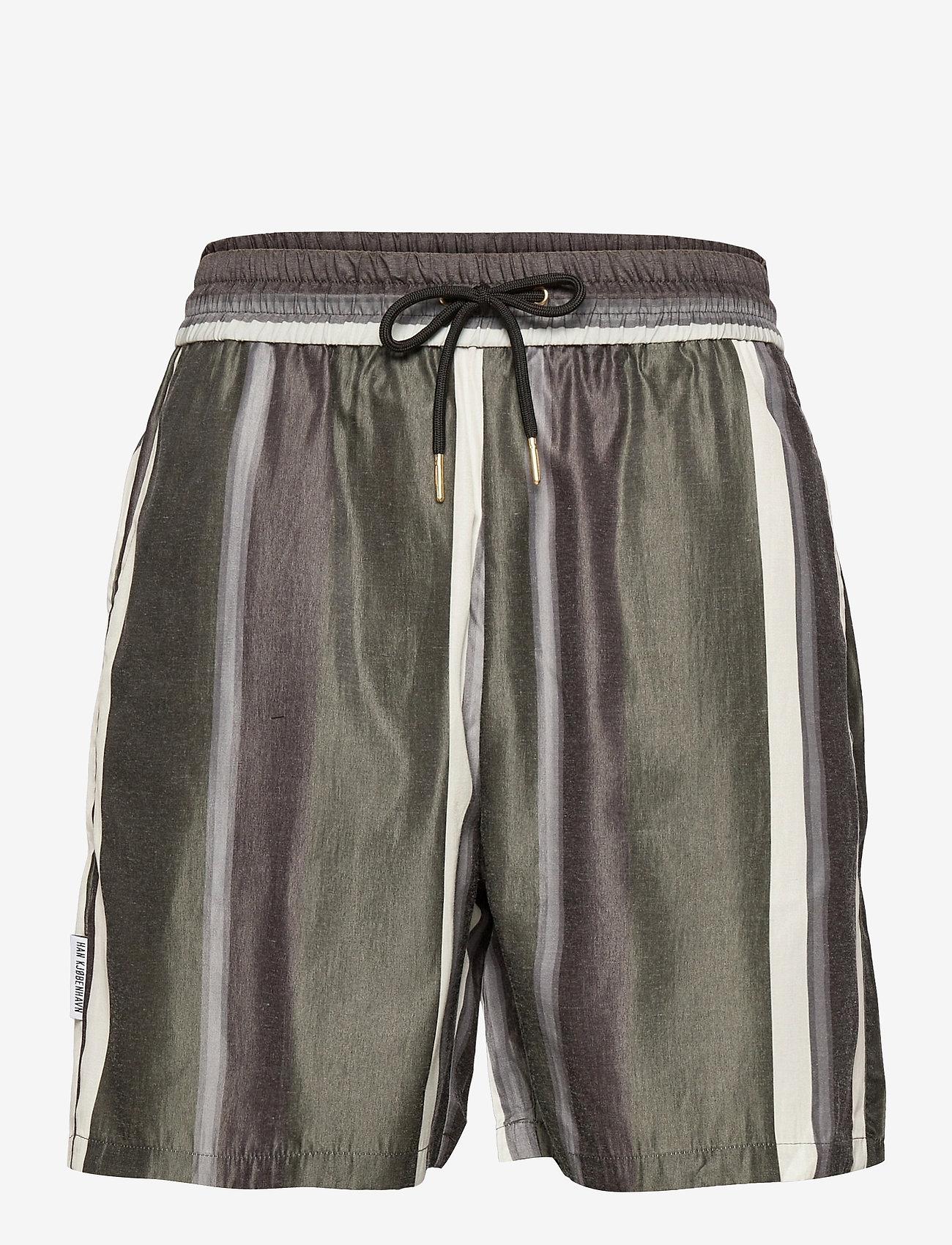 HAN Kjøbenhavn - Track Shorts - casual shorts - bright stripe - 0