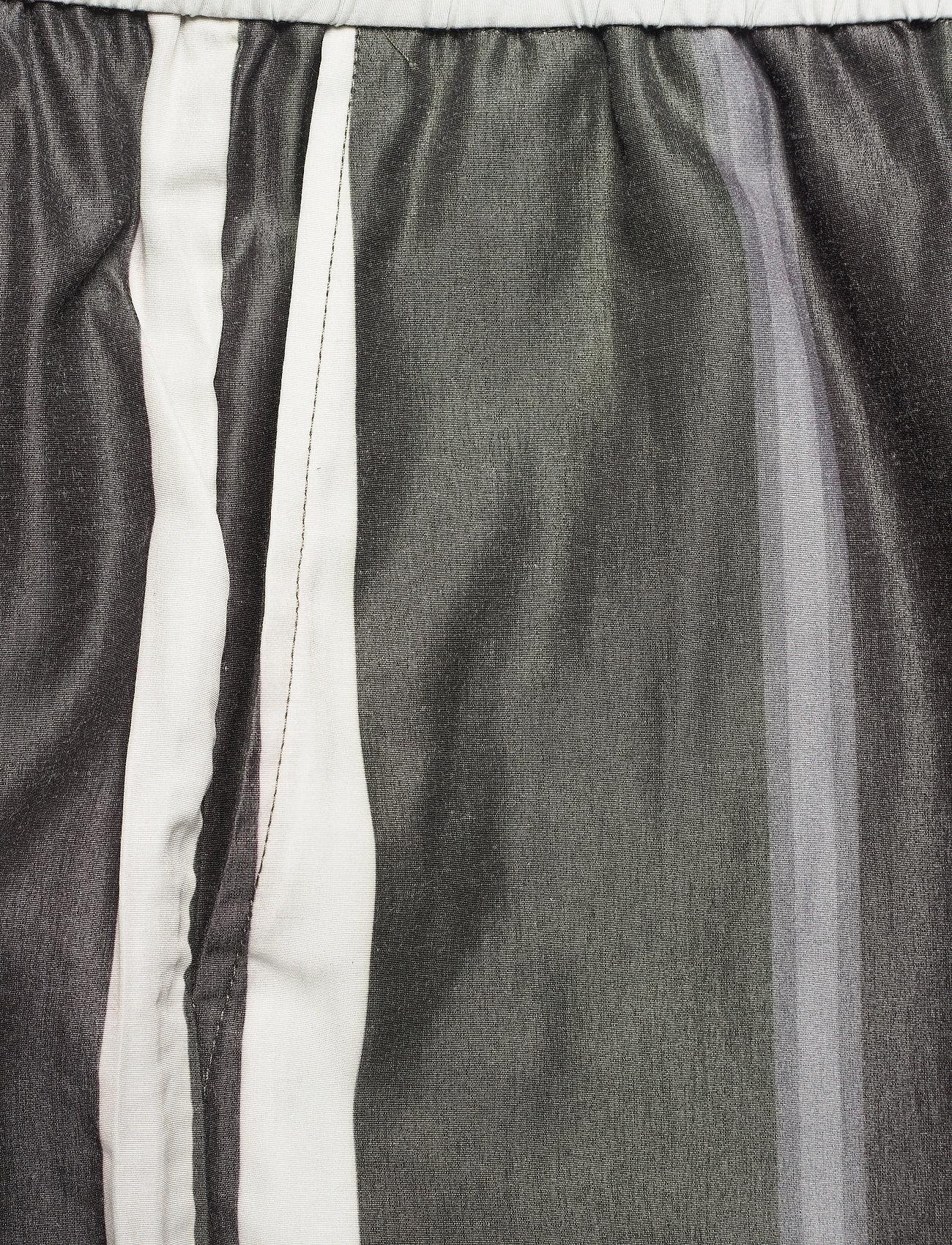HAN Kjøbenhavn - Track Shorts - casual shorts - bright stripe - 2