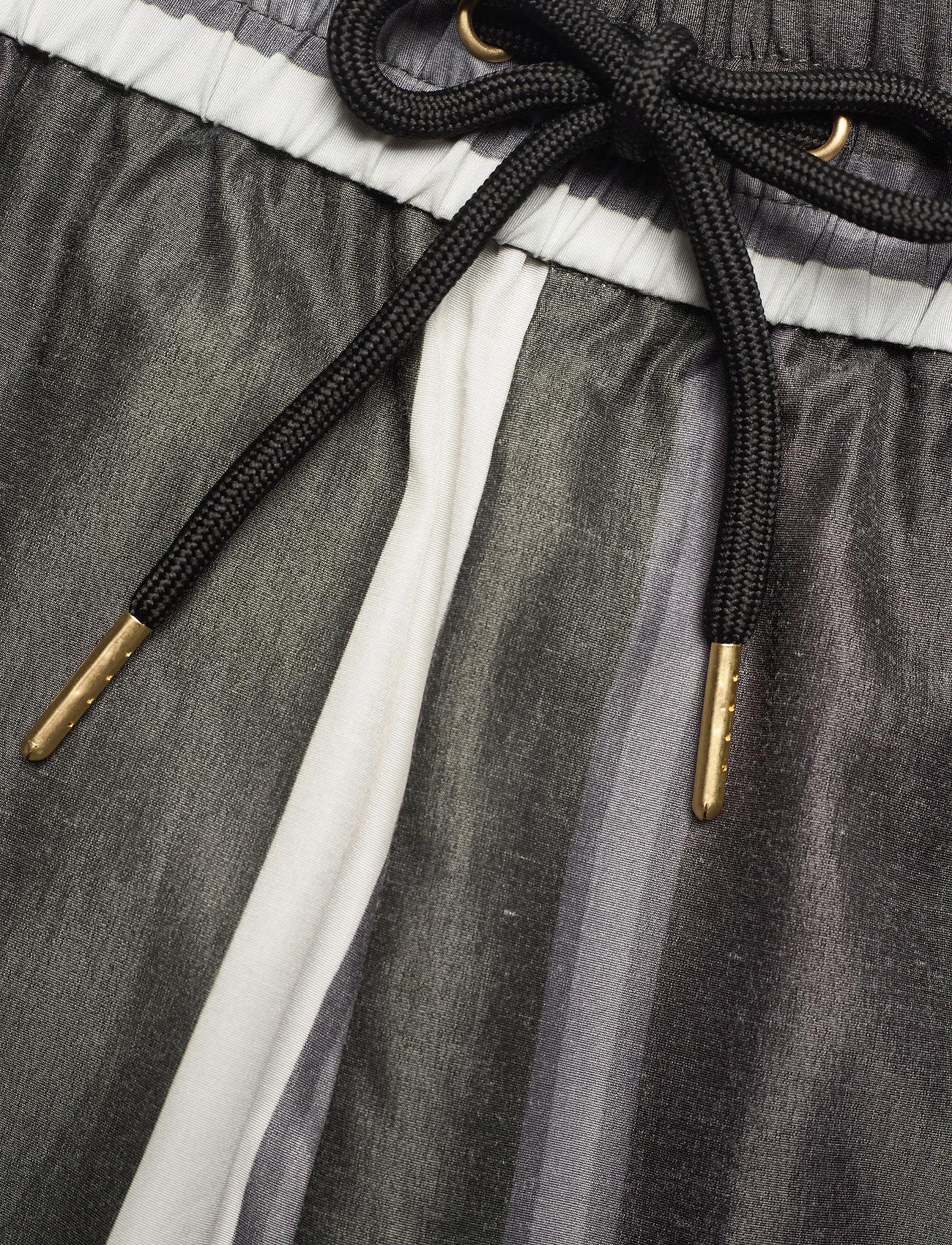 HAN Kjøbenhavn - Track Shorts - casual shorts - bright stripe - 3