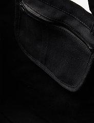 HAN Kjøbenhavn - Tote Bag HK - tote bags - black - 3