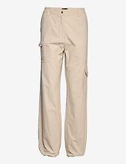 HAN Kjøbenhavn - Cargo Track Pants - raka byxor - off white - 2