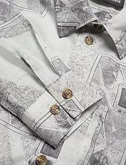 HAN Kjøbenhavn - Boyfriend Shirt - långärmade skjortor - bleach diamond - 2