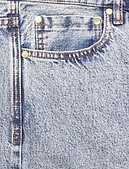 HAN Kjøbenhavn - Work Shorts - denim shorts - bleached denim - 2