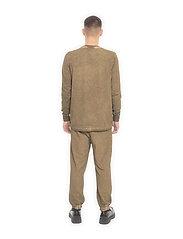 HAN Kjøbenhavn - Casual Long Sleeve Tee - basic t-shirts - green crush - 3