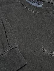 HAN Kjøbenhavn - Casual Long Sleeve Tee - basic t-shirts - dark grey logo - 3