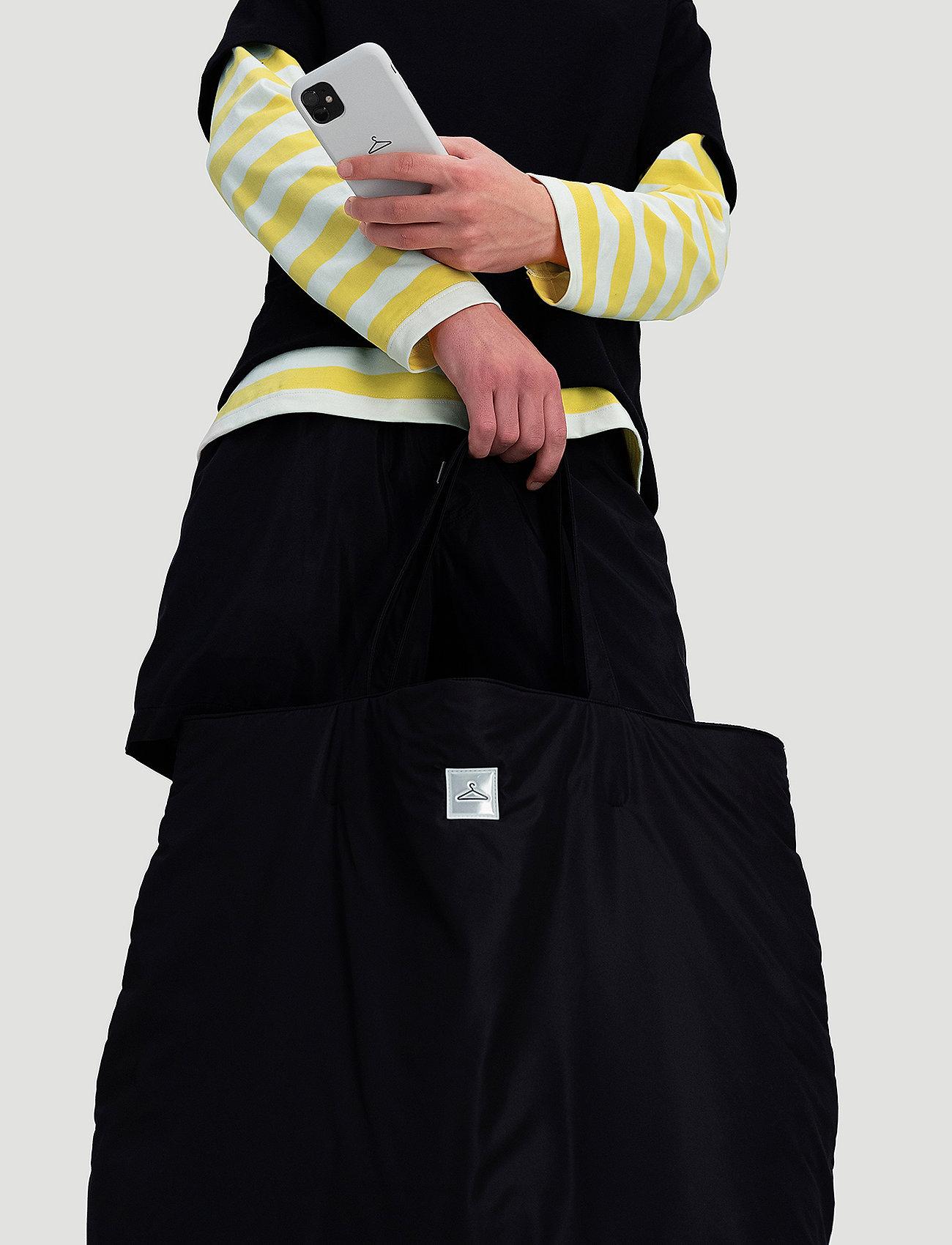 Hanger by Holzweiler - Hanger Big Tote - tote bags - black - 5