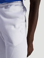 Hanger by Holzweiler - Hanger Trousers - kleidung - white - 4