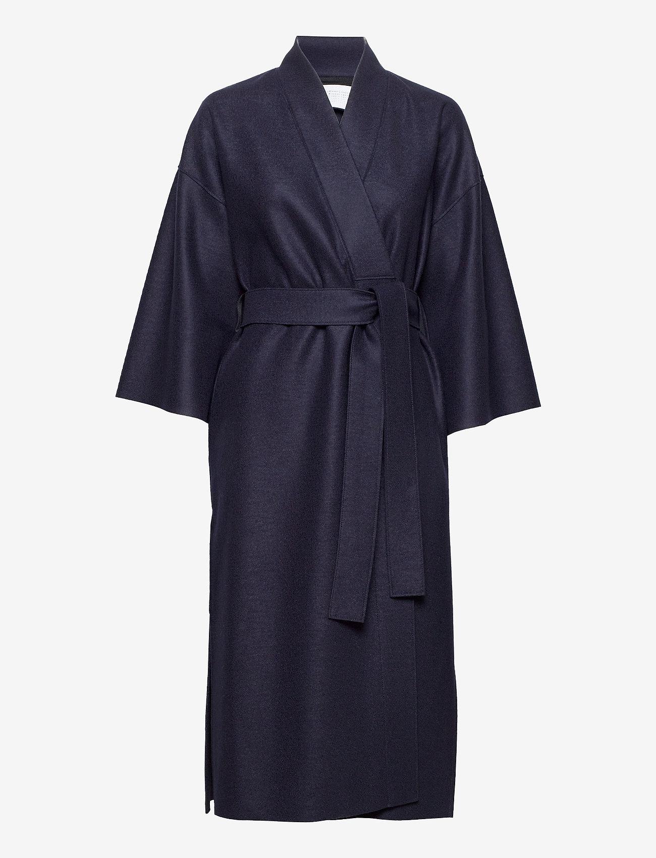 Harris Wharf London - Women Kimono Coat With Vents Light Pressed Wool - wollmäntel - navy blue - 0