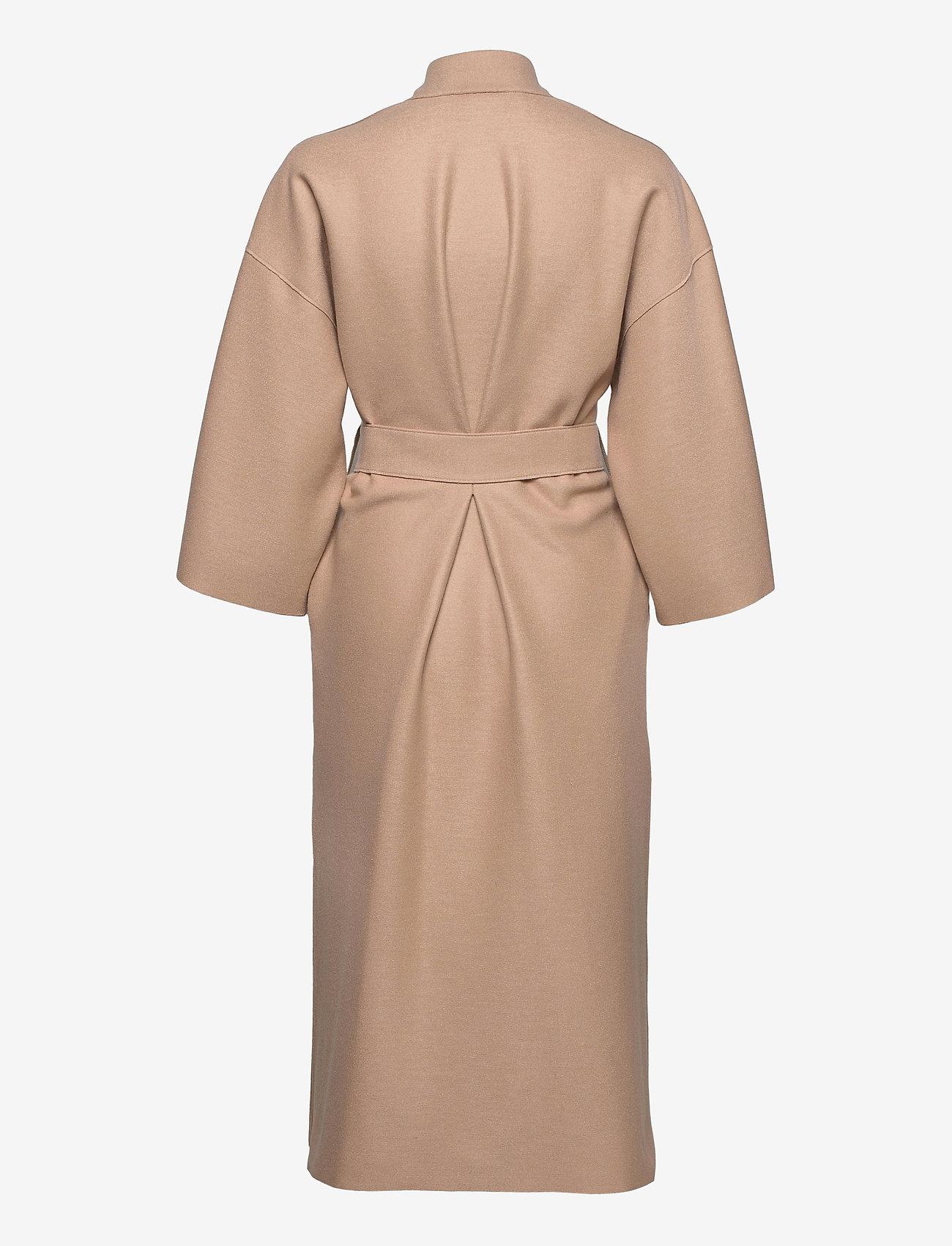 Harris Wharf London - Women Kimono Coat With Vents Light Pressed Wool - wollmäntel - sand - 1