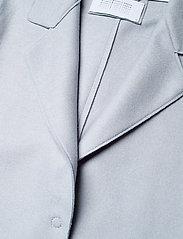 Harris Wharf London - Women Long Boxy Coat With Patch Pockets Light P. Wool - wollmäntel - grey blue - 3