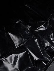 Helly Hansen - HH NEW CLASSIC DUFFEL BAG M - sacs de sport - black - 6