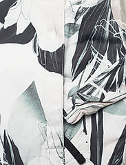 Helly Hansen - W AMUZE JACKET - sportjackor - cream esra print - 6