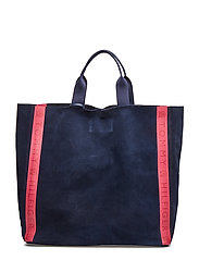 HC LOVE SHOPPER