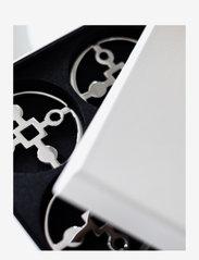 Hilke Collection - Coaster Amina Gemella - bordbrikker, glassunderlag & bordskånere - np brass - 2