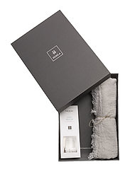 Gift Box Levlin throw - SILVER