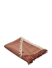 Merlin Throw - MAROON