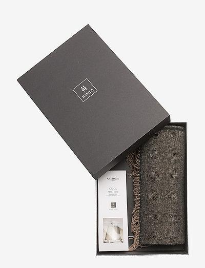 Gift Box Victor throw - sengetæpper - kohl