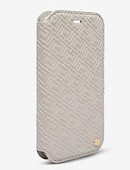 Holdit - Wallet Case Magnet iPh 11 Pro - puhelimen kuoret - stockholm celia taupe - 3