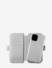 Holdit - Wallet Case Magnet iPh 11 Pro - puhelimen kuoret - stockholm silver - 2