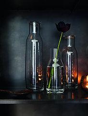 Holmegaard - Minima Bottle with lid 90 cl - vesikannut ja -karahvit - clear - 1