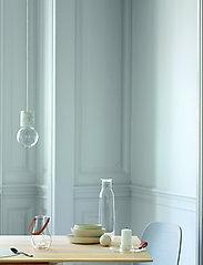 Holmegaard - Minima Bottle with lid 1,4 l - vesikannut ja -karahvit - clear - 1