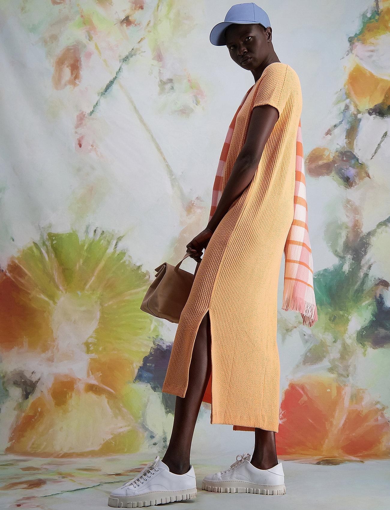 HOLZWEILER - Gate Dress - sommerkjoler - peach orange - 5