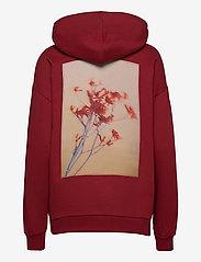 HOLZWEILER - Placebo Print Hoodie - sweatshirts & hættetrøjer - burgundy flower print - 2