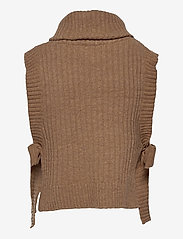 HOLZWEILER - Hafjell Knit Bib - knitted vests - camel - 1