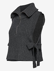 HOLZWEILER - Hafjell Knit Bib - knitted vests - charcoal - 2