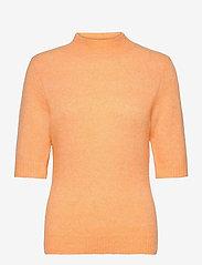 HOLZWEILER - Puff Knit Tee - strikkede toppe - peach orange - 1