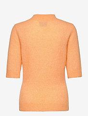 HOLZWEILER - Puff Knit Tee - strikkede toppe - peach orange - 2