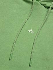 HOLZWEILER - Hang on sweat - bluzy z kapturem - green - 7