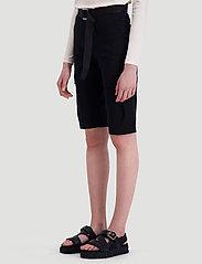HOLZWEILER - Oter Shorts - shorts casual - black - 4