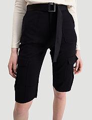HOLZWEILER - Oter Shorts - shorts casual - black - 6