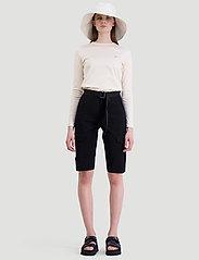 HOLZWEILER - Oter Shorts - shorts casual - black - 7