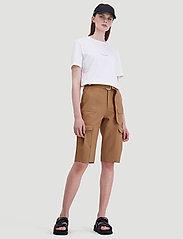 HOLZWEILER - Oter Shorts - shorts casual - tobacco - 7