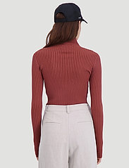 HOLZWEILER - Ebo Knit - turtlenecks - terracotta - 4