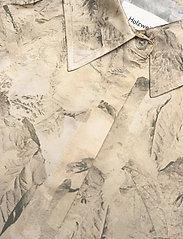 HOLZWEILER - Fram Print Dress - shirt dresses - tree fossil brown - 2
