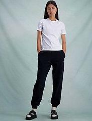 HOLZWEILER - Suzana Classic Tee - t-shirts - white - 3