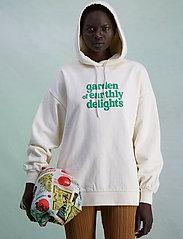 HOLZWEILER - Placebo Print Hoodie - sweatshirts & hættetrøjer - ecru - 3